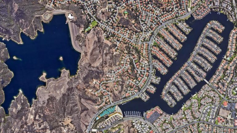 Google Earth shows effect of climate change over 40 years